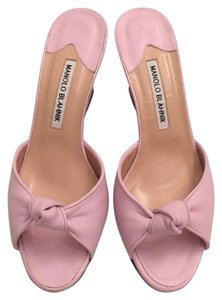 Manolo Blahnik pink Wedges