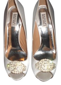 Badgley Mischka Satin Ivory Pumps