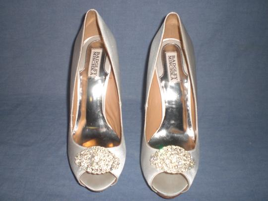 Badgley Mischka Satin Ivory Pumps Image 3