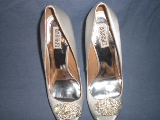 Badgley Mischka Satin Ivory Pumps Image 5