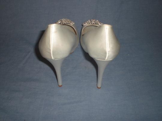 Badgley Mischka Satin Ivory Pumps Image 6