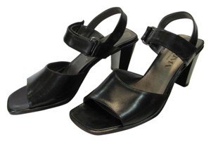 Proxima New Size 8.00 M Very Good Condition Black Sandals