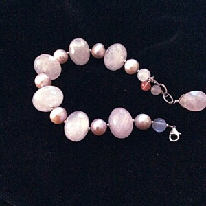 Riskin Jeweler Fine pearl and faceted rose quartz with sterling silver bracelet