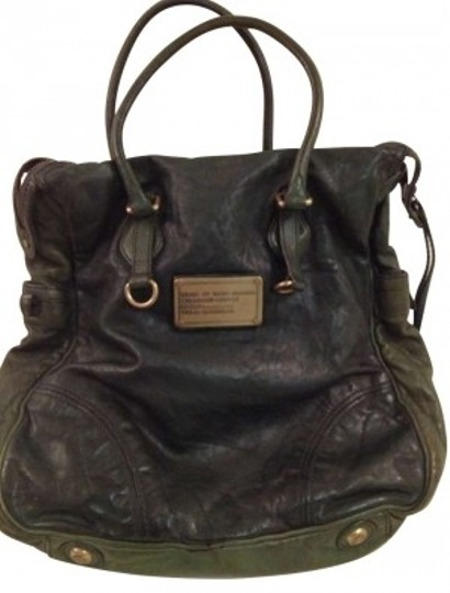 Preload https://img-static.tradesy.com/item/162591/marc-by-marc-jacobs-forest-green-washed-leather-tote-0-0-540-540.jpg