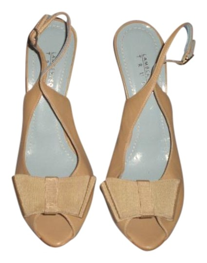 Preload https://img-static.tradesy.com/item/16260733/lambertson-truex-nude-leather-with-leather-sole-heels-with-bow-sandals-size-us-85-regular-m-b-0-1-540-540.jpg