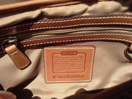 Coach Leather Hobo Bag Image 3