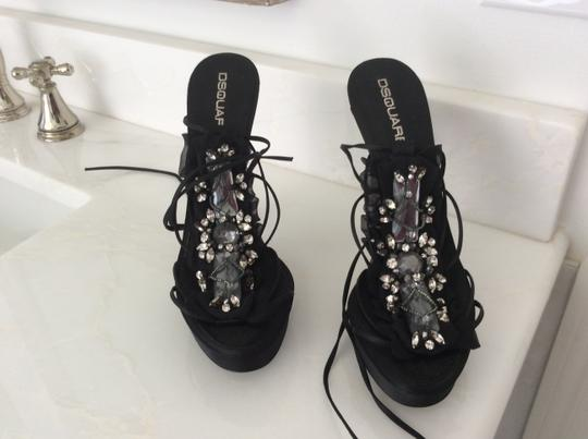 D squared Black with crystals Pumps Image 1