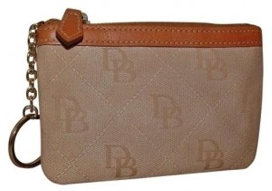 Preload https://item5.tradesy.com/images/dooney-and-bourke-light-brown-key-chain-signature-wallet-162719-0-0.jpg?width=440&height=440