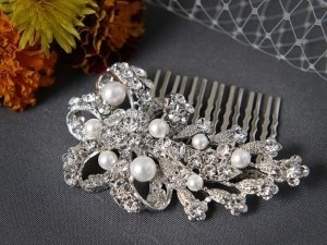 Silver/Ivory Crystal and Pearl Comb Hair Accessory