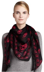 Alexander McQueen ALEXANDER MCQUEEN Modal Silk Skull Scarf Black Red . Still Good Condition