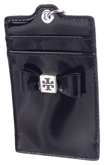Preload https://item3.tradesy.com/images/tory-burch-black-patent-leather-bow-cardholder-wristlet-wallet-1627752-0-0.jpg?width=440&height=440