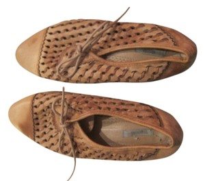 Ecote Cream/ Light Brown Flats