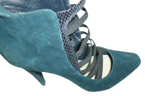 Tahari Teal Green with black Platforms