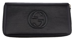 Gucci Gucci Black Leather Soho Zip Around Wallet (25964)