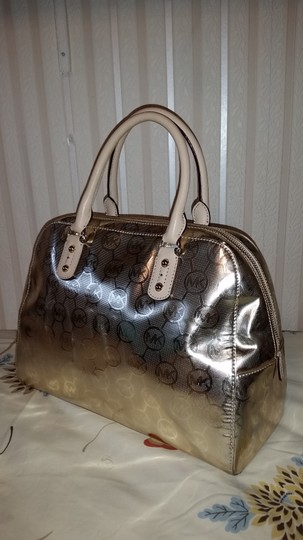 Michael Kors Satchel in Gold/ Tan