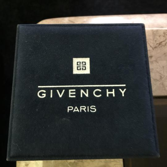 Givenchy gold watch 13120899200 Image 9