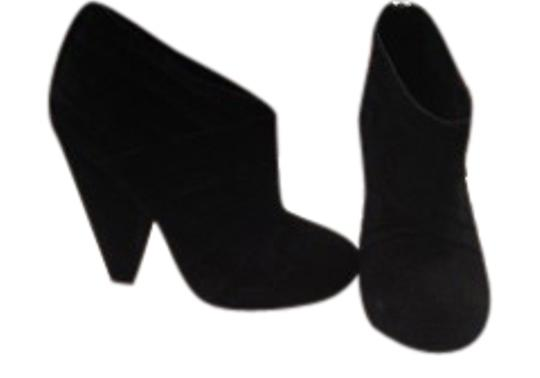 Preload https://item1.tradesy.com/images/dolce-vita-black-bootsbooties-size-us-7-regular-m-b-162985-0-1.jpg?width=440&height=440