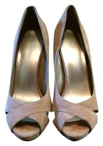 Nine West Nude/Camel Pumps