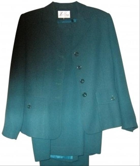 Preload https://img-static.tradesy.com/item/163010/le-suit-green-all-weather-3-piece-skirt-suit-size-12-l-0-0-650-650.jpg