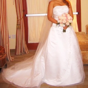 David's Bridal White Formal Wedding Dress Size 8 (M)