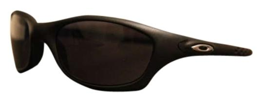 Preload https://img-static.tradesy.com/item/163015/oakley-black-sunglasses-0-0-540-540.jpg