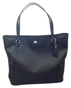 Coach Peyton Leather Tote in Black