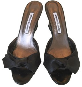 Manolo Blahnik black leather Wedges