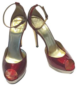 Gucci Metallic Platform Logo Peep Toe Ruby Red and Gold Pumps