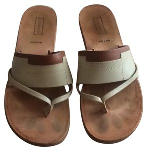 Hunter Tan Sandals
