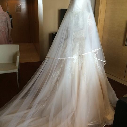 Allure Bridals Off White with Light Champagin Organza and Lace Modest Wedding Dress Size 2 (XS) Image 4
