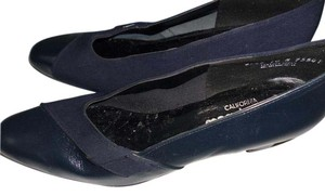 California Magdesians Magdesian Navy blue Pumps
