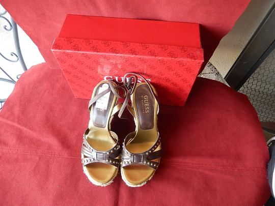 Guess Leather Upper Balance Man Made Straps Dark 5 1/2m Brown Wedges