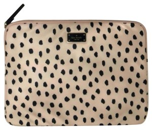Kate Spade Kate Spade New York Blake Avenue Laptop Case Flamingo Dot WIRU0434