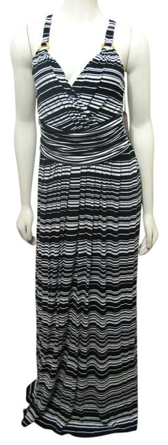 Preload https://item5.tradesy.com/images/vince-camuto-black-white-long-casual-maxi-dress-size-6-s-1631329-0-0.jpg?width=400&height=650
