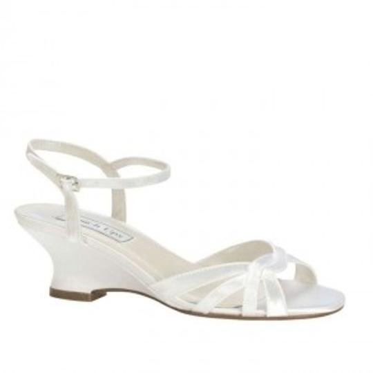 Preload https://img-static.tradesy.com/item/163151/benjamin-walk-white-satin-margie-wedge-sandals-size-us-9-0-0-540-540.jpg