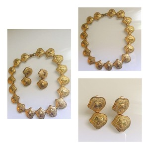 Vintage gold floral swirl Necklace & Earring jewelry set