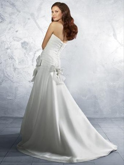 Alfred Angelo 2144 Wedding Dress
