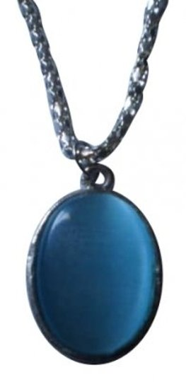 Preload https://item3.tradesy.com/images/opalescent-blue-oval-necklace-163172-0-0.jpg?width=440&height=440