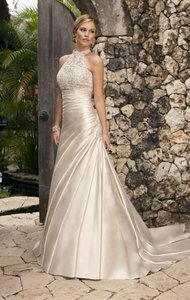 Essense Of Australia Style Number 5619 Wedding Dress