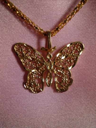Preload https://item3.tradesy.com/images/goldtone-butterfly-necklace-163177-0-0.jpg?width=440&height=440