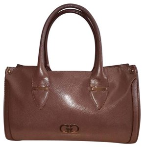 Salvatore Ferragamo Luxury Classic Shoulder Bag