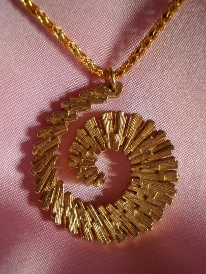 Other Goldtone Swirl Necklace