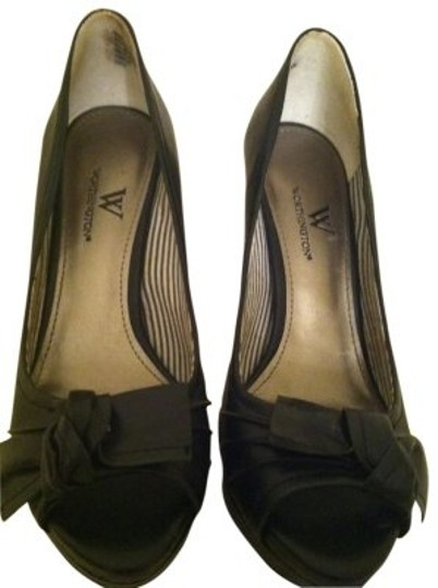 Preload https://img-static.tradesy.com/item/16320/worthington-black-business-style-pumps-size-us-65-regular-m-b-0-0-540-540.jpg