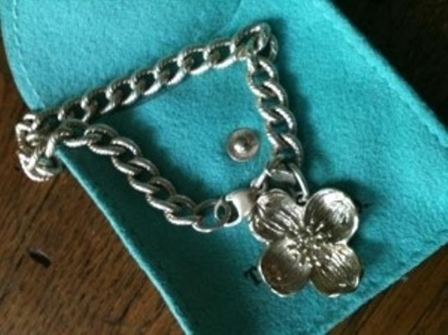 Item - Sterling Silver Romantic Dogwood Blossom Bracelet