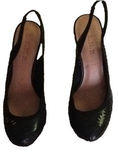 L.A.M.B. Leather Eyelet Style Hidden Platform Round Toe Never Worn Black Pumps