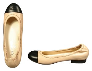 Chanel Round Toe Classic Style Beige & Black Flats