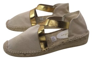 Bettye Muller Narural And Gold Wedges