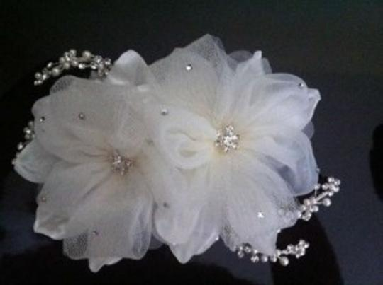 Preload https://item1.tradesy.com/images/david-s-bridal-ivory-organza-floral-comb-with-swarovski-crystals-and-pearl-accents-hair-accessory-163275-0-0.jpg?width=440&height=440