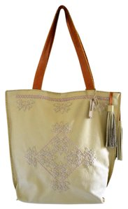 Handmade leather Tote in Ivory