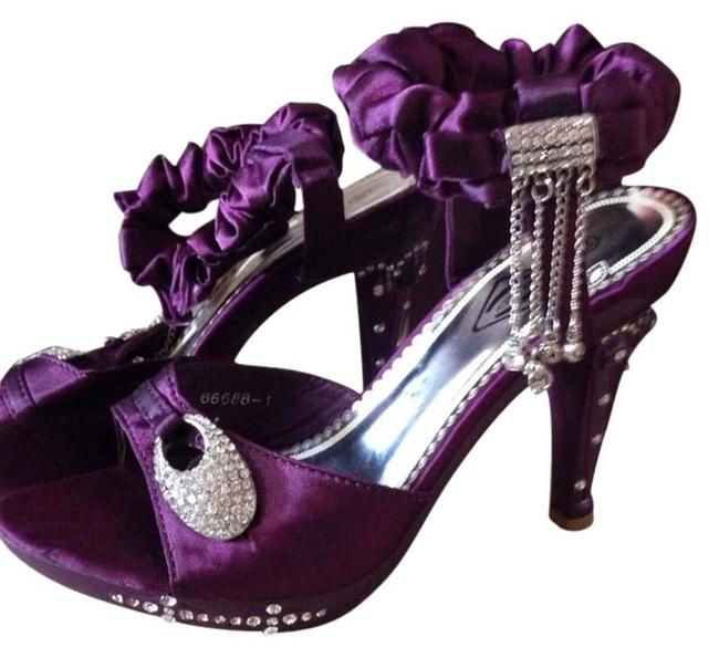 Purple *price Reduced Sandals Size US 6 Regular (M, B) Purple *price Reduced Sandals Size US 6 Regular (M, B) Image 1